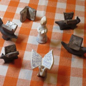 陶の動物 本の翼