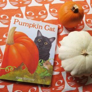 ハロウィンの絵本『Pumpkin Cat』
