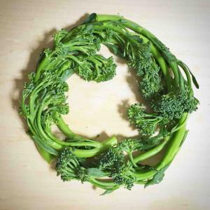 花っぽい変わった野菜を結構食べてます。