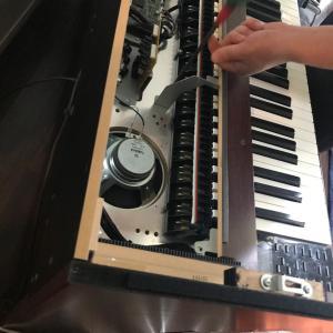 電子ピアノの修理