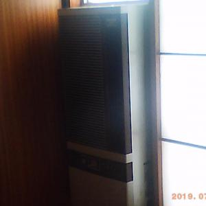今年も窓用エアコンを取付けました。