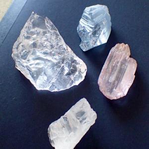 タイムカプセルのような石たち