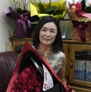 還暦祝い60本の真紅の薔薇のプレゼント