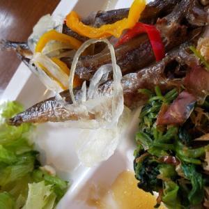 惣菜バイキングだけで健康的な昼ごはんなのだ