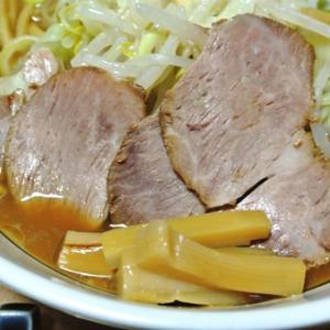 日清の二郎系袋生麺!最強のラーメン 背脂豚骨醤油!行列のできる店のラーメン