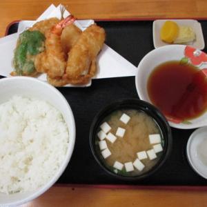 船橋グルメ 天ぷら 松島で盛り合わせセット(750円)と単品あなご(90円)を頂きました!出来立てホクホク天ぷらに大満足!