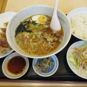 船橋グルメ 餃子太郎 東船橋で餃子+ラーメン+半ライス定食(780円)をランチで頂きました!リーズナブルな価格でお腹一杯になりました!