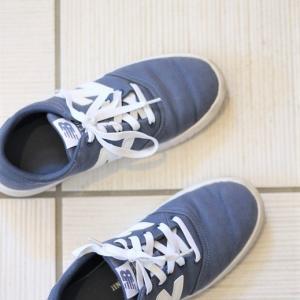 娘の靴を伸びる靴紐に変える、買いまわり1店舗