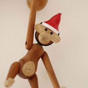 クリスマスの飾り付けをする