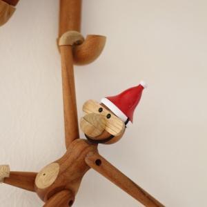 クリスマスツリーと、モンキーにサンタキャップ!