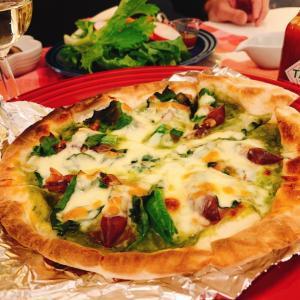 オーブンを使わず本格的なピザを焼く!