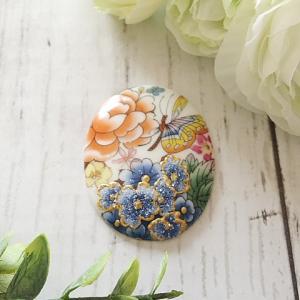【ポーセラーツ生徒さま作品】華やかな花柄のコラレン風ブローチ