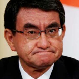 河野太郎大臣 vs クシャおじさん