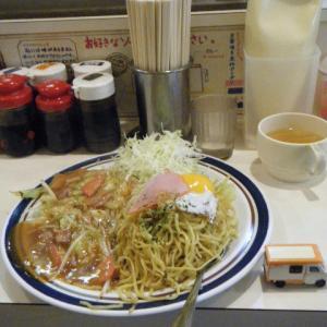 銀色テントむしの大盛り…1147軒目・札幌「やきそば屋大通店」