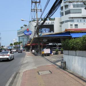 (パタヤ) ターミナル21裏にある大規模バービア群・ Drinking Street