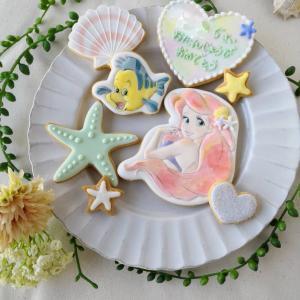 アイシングクッキー講師必見!!パティシエが教える100均ツールで思い通りの形でクッキーを焼く方法
