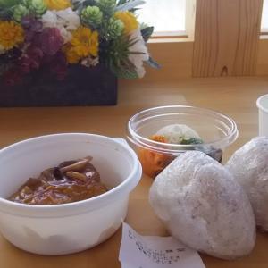 お持ち帰り専門じゃなくて、私にとってはセルフサービスのお店かな。とても気に入っています。Naminori食堂
