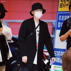 EXO チャニヨル&チェン 空港ファッション マクバリー