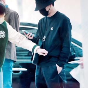 EXO チェン 空港ファッション マクバリー