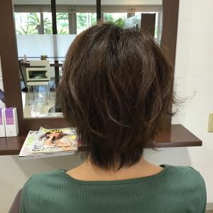ポイントは、ここ‼さらに可愛い♡くせ毛の髪でもまとまりますよ(#^.^#)