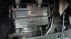スイフトスポーツ(ZC32S)のエアコンフィルターを交換してみた