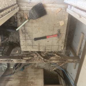 つい最近あった床ブヨブヨの現場画像。