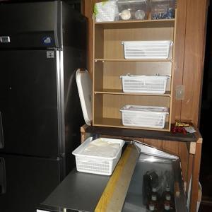 DIY棚台の上に収納ラック