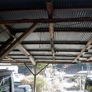 間伐材使用DIYカーポートの波板交換