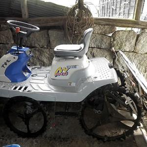 田植え前の田植え機の洗車・試運転