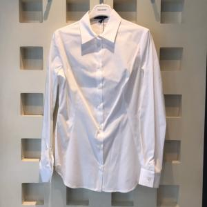 定番白シャツ♪