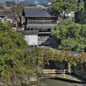 堀川と中間唐戸水門 (福岡)
