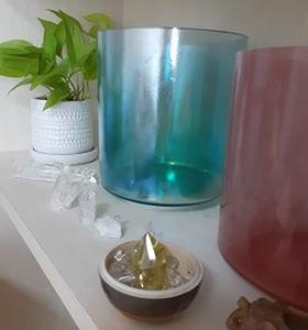 満員御礼 サロンで夏至のクリスタルボウル宇宙瞑想お茶会