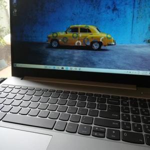 新しいノートパソコン