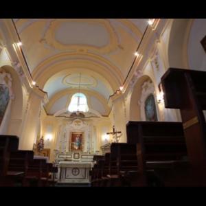 窓といえば、アマルフィ海岸アトラーニのこの教会