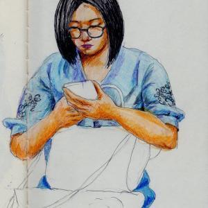 水色のシャツのお姉さん(上海の地下鉄でスケッチ)
