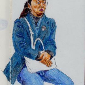 紺色のジャケットのお姉さん(上海の地下鉄でスケッチ)