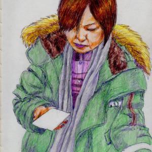 グリーンのコートのお姉さん(上海の地下鉄でスケッチ)