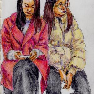 あやしい絵展に行って来ました&赤いコートとベージュのコートのお姉さん達(上海の地下鉄でスケッチ)