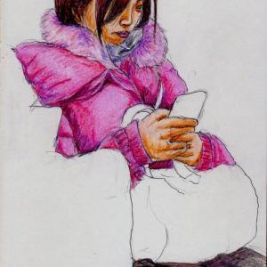 赤いダウンコートのお姉さん(上海の地下鉄でスケッチ)