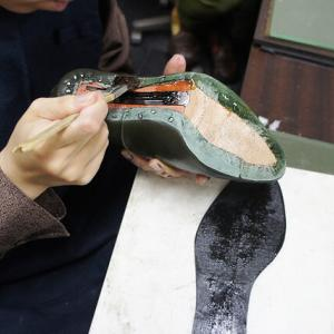 これは十何作目?ヒール紐靴を製作中です。