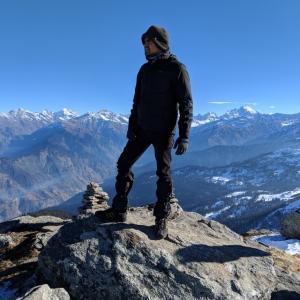 山の日なので monte が男性名詞で montaña が女性名詞になった理由を調べてみました