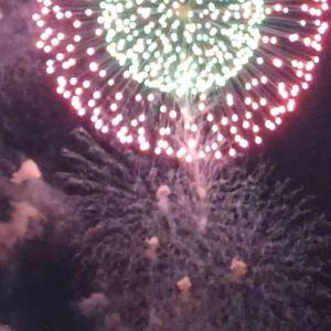 花火 fireworks は単数形で言うことはないのか?