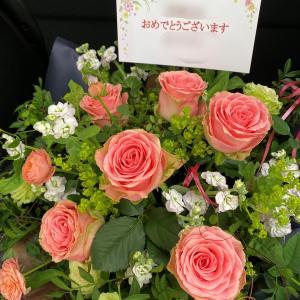 大切な人へ届けるフラワーギフト~作品展の御祝花~【フラワーアレンジメント教室神戸市】