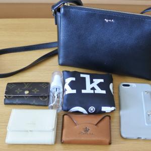 バッグがコンパクトになり最低限の持ち物に。