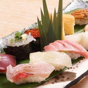 江戸時代に東京近郊で誕生した握り寿司の歴史