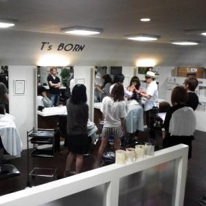 釧路の美容室・理容室ティーズボーンです❣          髪をキレイにしたい方へ