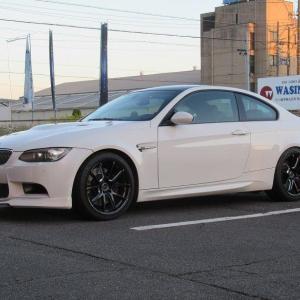 これもメンテナンス..BMW E92 M3 バッテリー交換 VARTA AGM