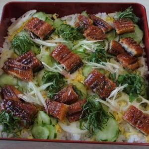 うなぎのちらし寿司でお祝いランチ