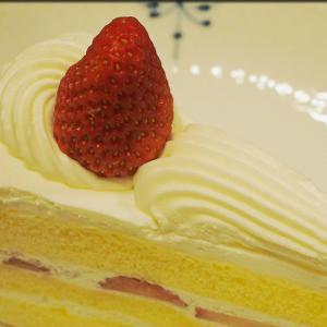 三原堂本店のショートケーキとプリンアラモード