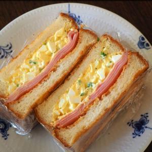 夕飯で残ったタルタルソースでサンドイッチ